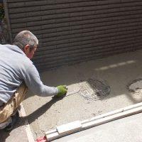 コンクリート土間施工中