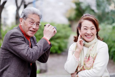 笑顔の夫婦